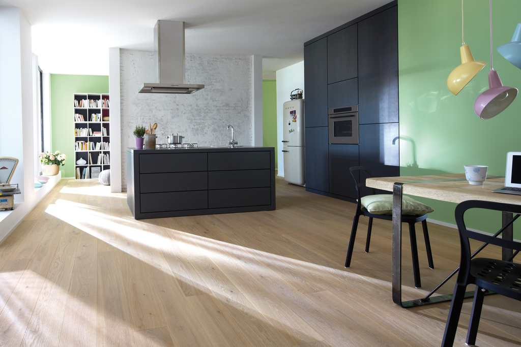 bauwerk il parquet anche in cucina il commercio edile. Black Bedroom Furniture Sets. Home Design Ideas